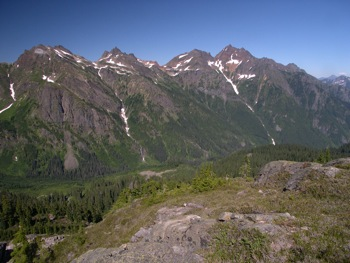 Knight Peak (L), Baby Munday Peak (centre-L), The Still (centre-R) and Welch Peak (R)