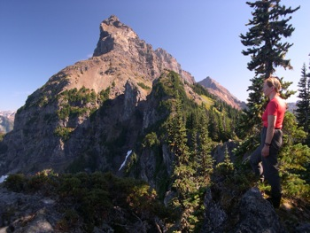 Hiking 'Spencer Ridge' to near the Canadian Border Peak