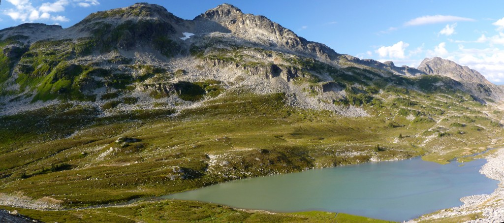 Caltha Lake below Tundra Peak along the Stein Traverse route